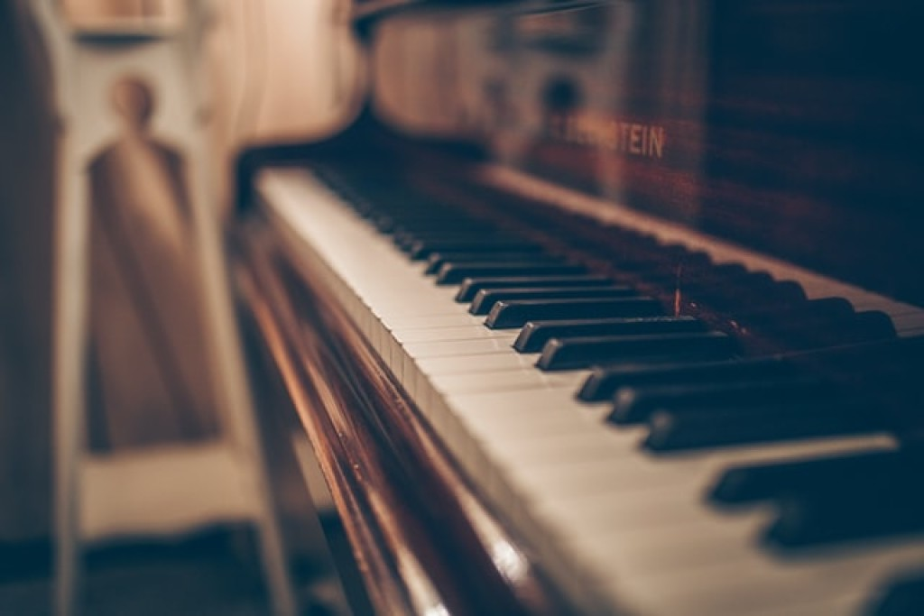 How Can I Get Better at Playing the Piano?